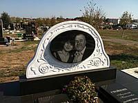 Памятник из белого мрамора и гранита, фото 1