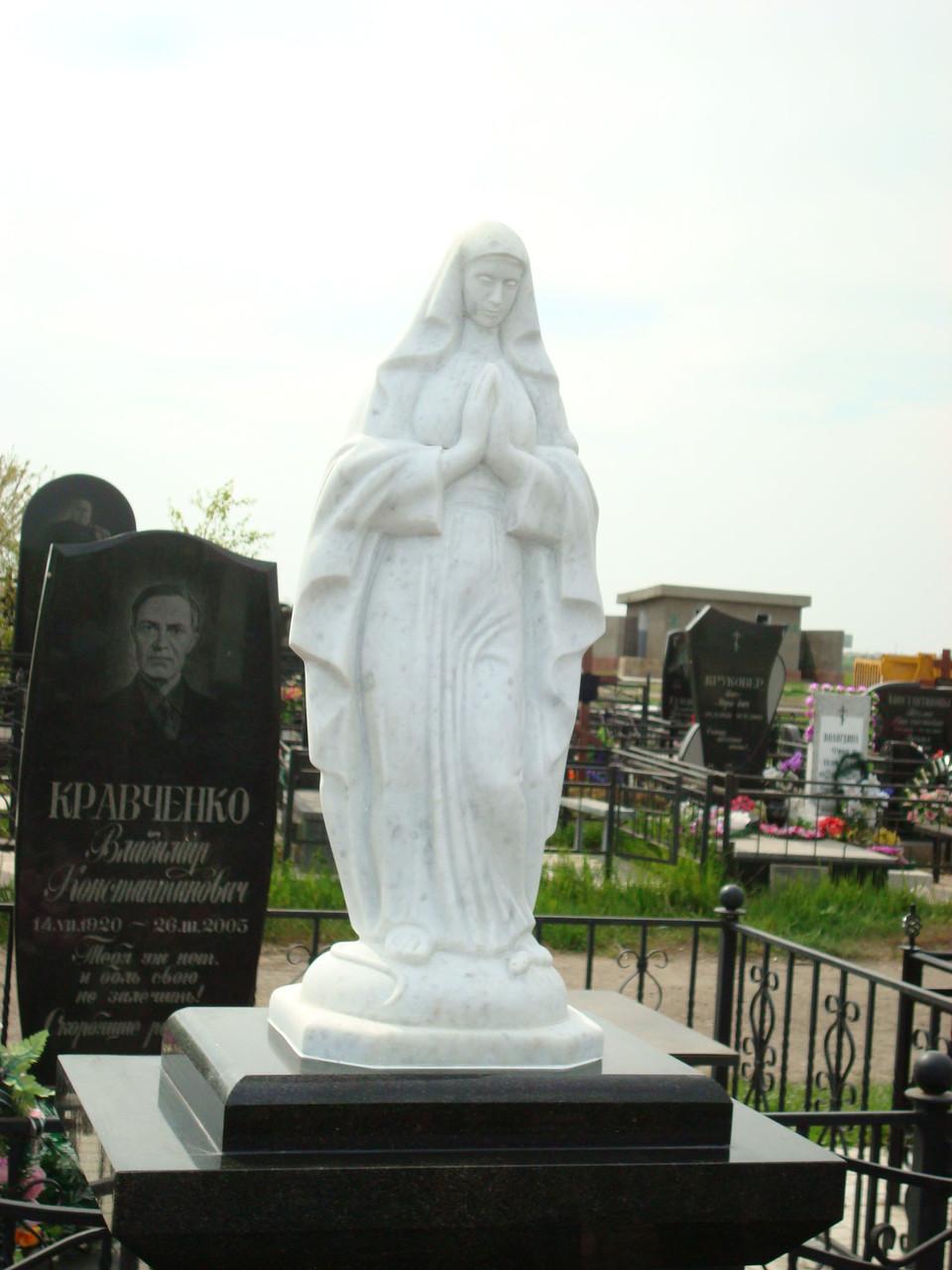 Мадонна и крест из мрамора
