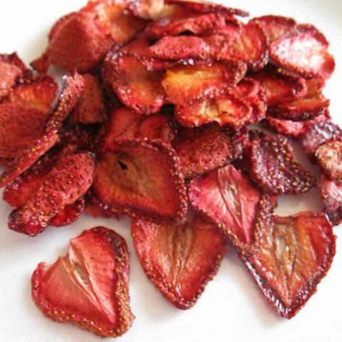 Сушені ягоди «Суниця (половинка)»