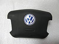 Подушка безопасности в руль VW 3B0898203A