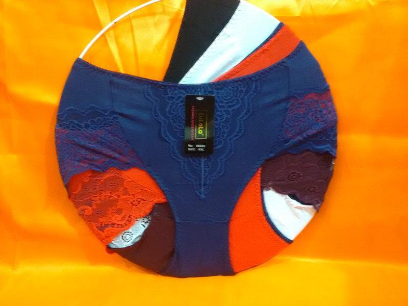 Трусы хлопок с гипюром размер 52-56.один цвет в упаковке