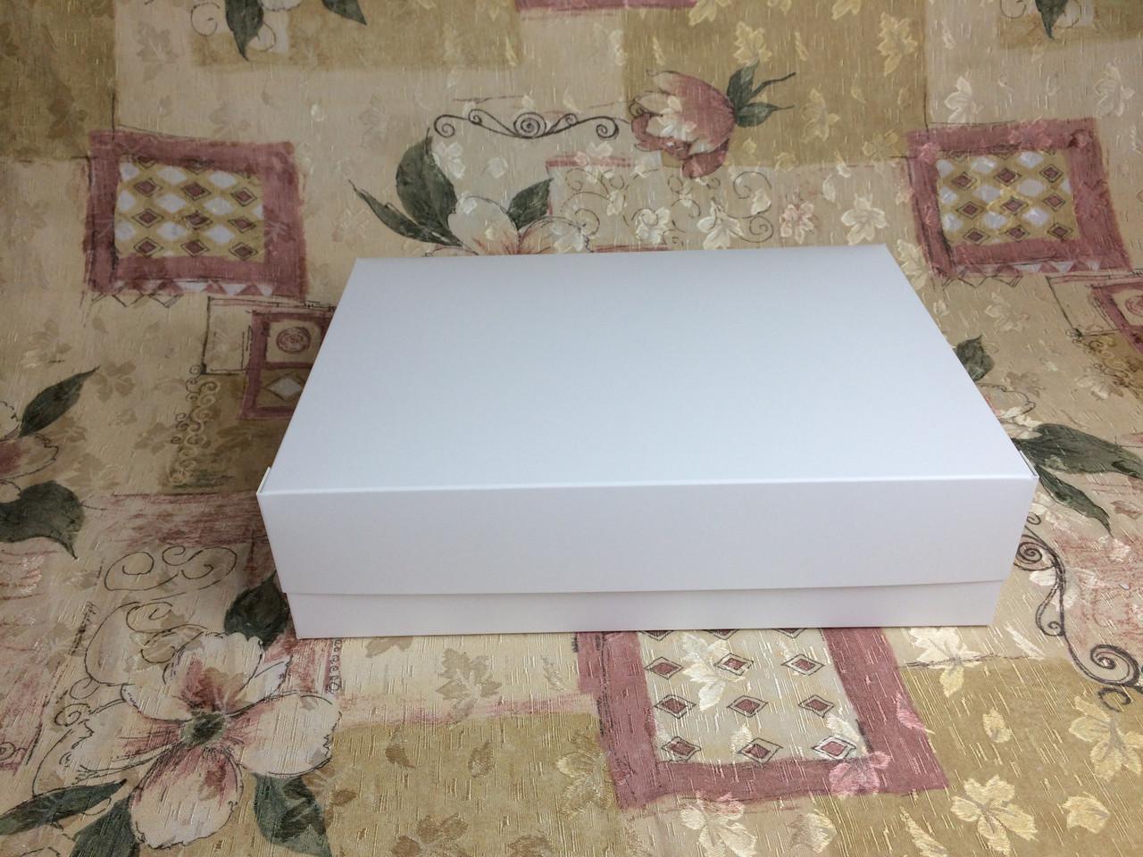 Коробка для 12-ти кексов / 340х250х90 мм / Белая / б.о.