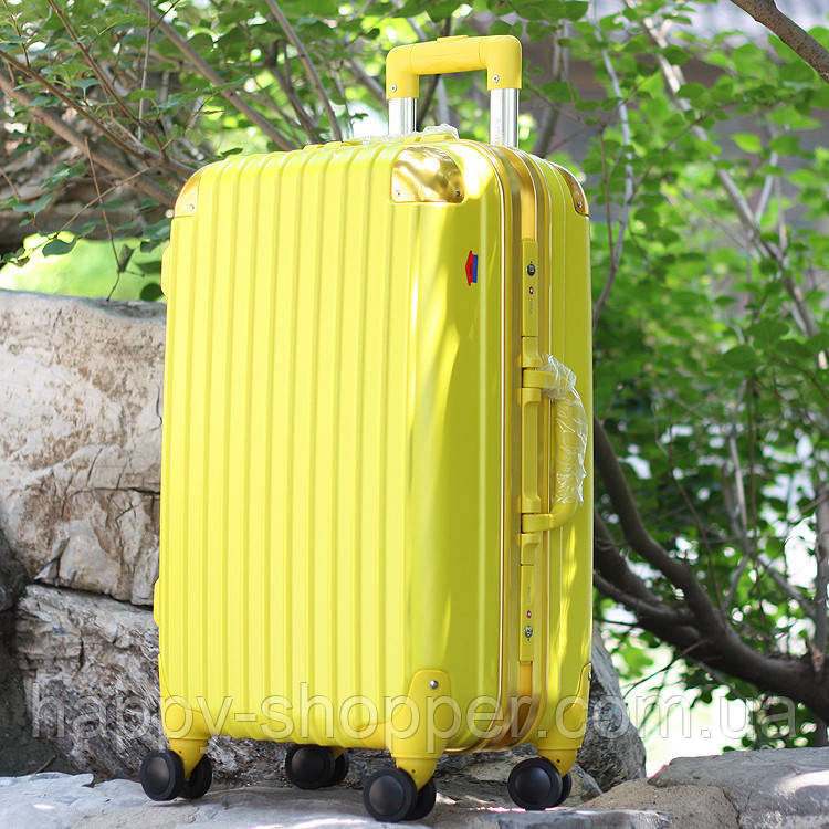 Средний жёлтый чемодан Ambassador Hardcase