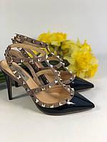 Нежные женские босоножки c заклепками Valentino 'Rockstud' (реплика), фото 1