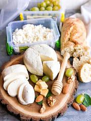 Як приготувати сир вдома?