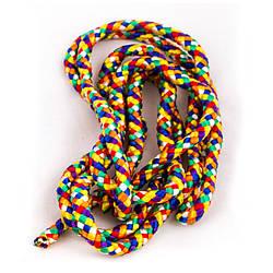 Разноцветная скакалка гимнастическая