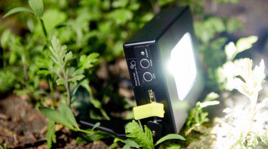 Аккумуляторный прожектор, PowerBank, Аварийный светильник. Магнитное Крепление.