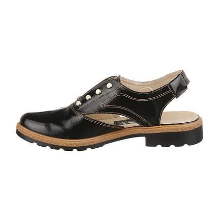 Кожаные босоножки с закрытым носком круглой формы в черном цвете оптом, фото 2