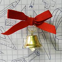 Колокольчик с красной лентой на выпускной