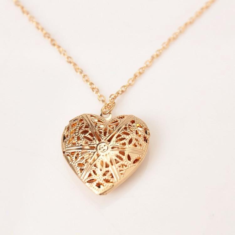 Медальон сердце с местом для фото внутри золото