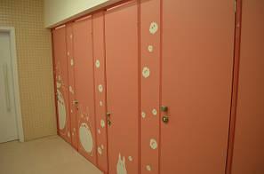 Туалетные кабинки и перегородки