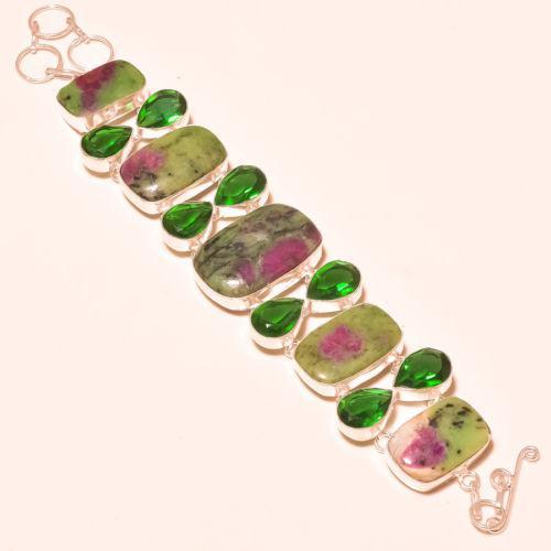 Великолепный браслет с камнем рубин в циозите и кварцем в серебре. Индия.