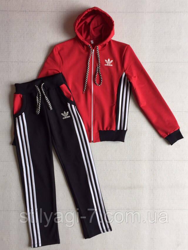 Спортивный костюм для девочки 8-11 лет красного с черным цвета Adidas с капюшоном с цветами оптом
