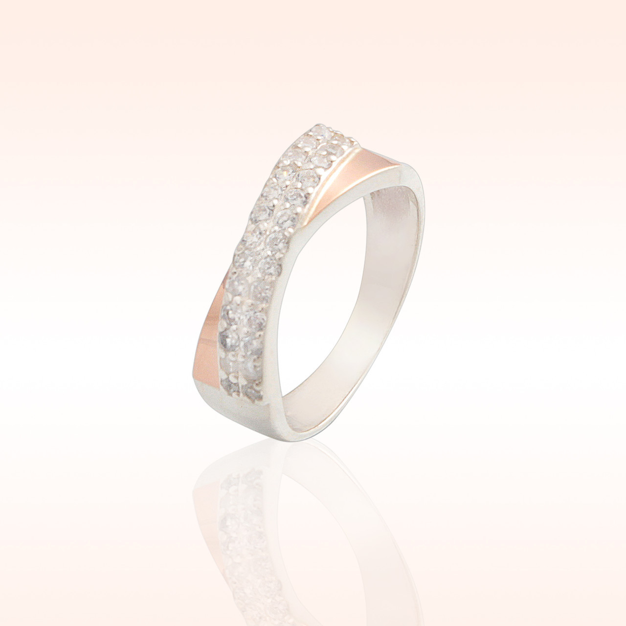Кольцо из серебра с золотыми встаками (009к)