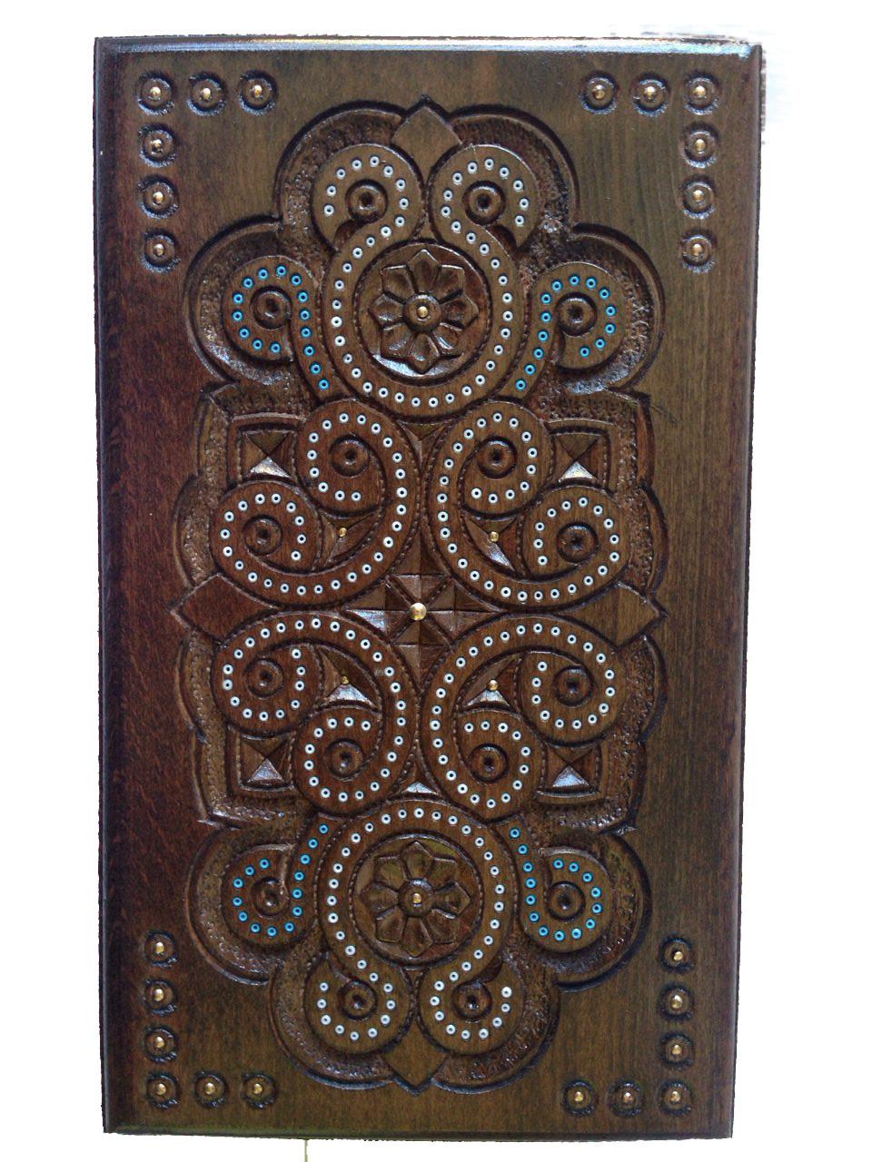 Ключница деревянная резьбленная (резная,рубленая)с бисером 25*13*13
