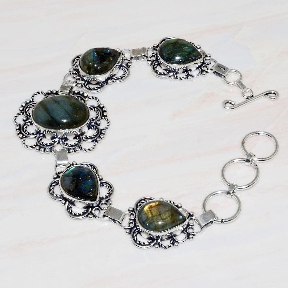 Красивый, яркий браслет с камнем лабрадор в серебре. Браслет с лабрадором.