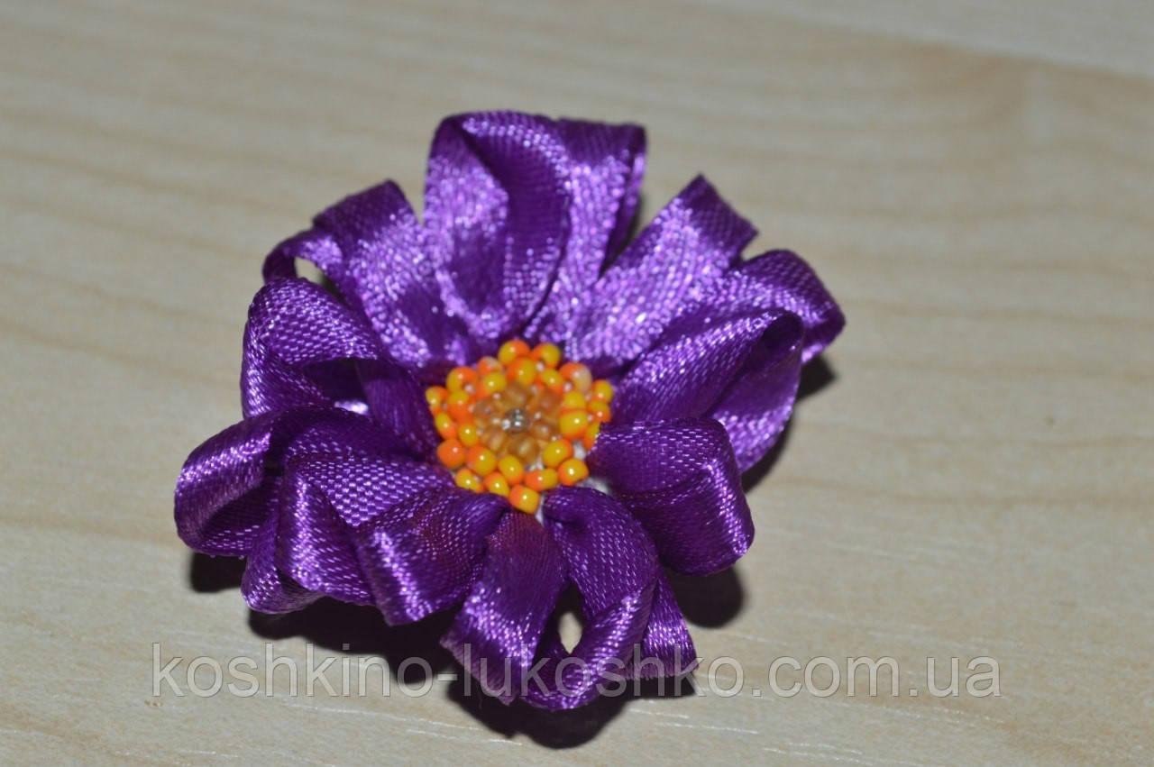 Квітка ручна робота . вишивка