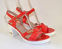 Босоножки на каблуке, фото 1