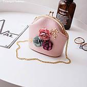 Мини сумочка с цветами розовая