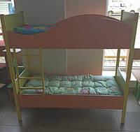 Двоярусне дитяче ліжечко на металевому каркасі в асортименті (без матраса)