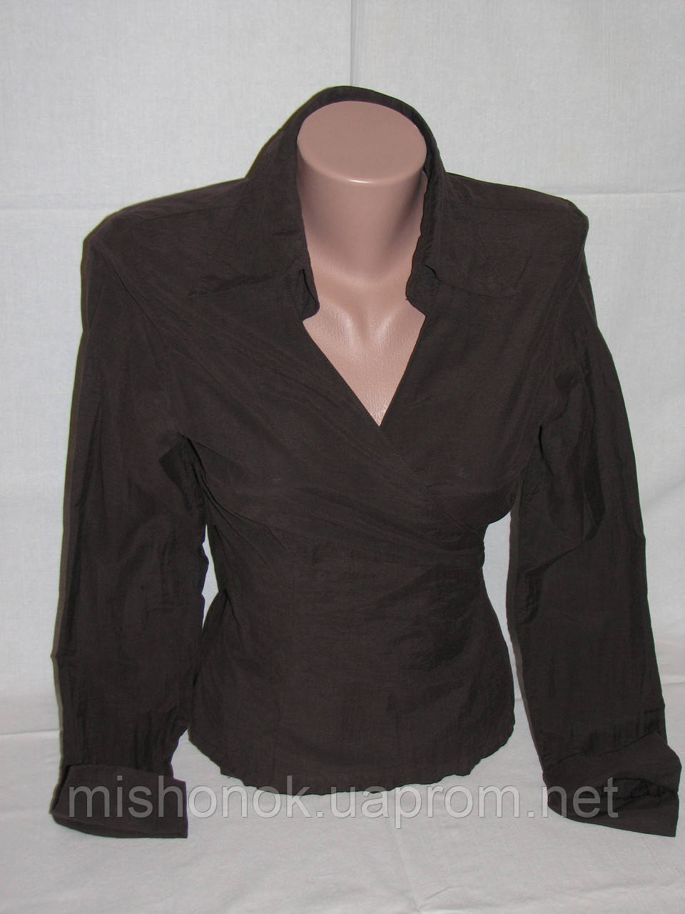 a66f2f29c6c Коричневая блузка-рубашка на запах Stradivarius р.M - купить по ...