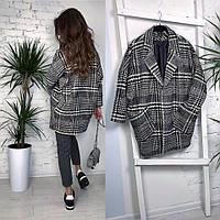 Женское стильно пальто на подкладке в клеточку свободного кроя