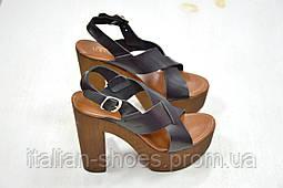 Черные кожаные босоножки на толстом каблуке Roberta Lopes к.-451