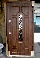 Вхідні двері Гостинні