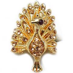 Кольцо Коктейльное под Золото Павлин с Кремовыми Стазами, Безразмерное
