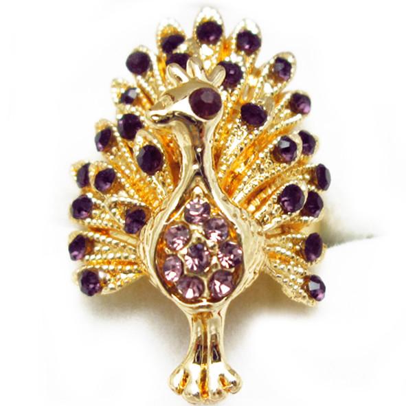Кольцо Коктейльное под Золото Павлин с Фиолетовыми Стазами, Безразмерное