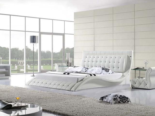 Деревянные кровати с мягким изголовьем