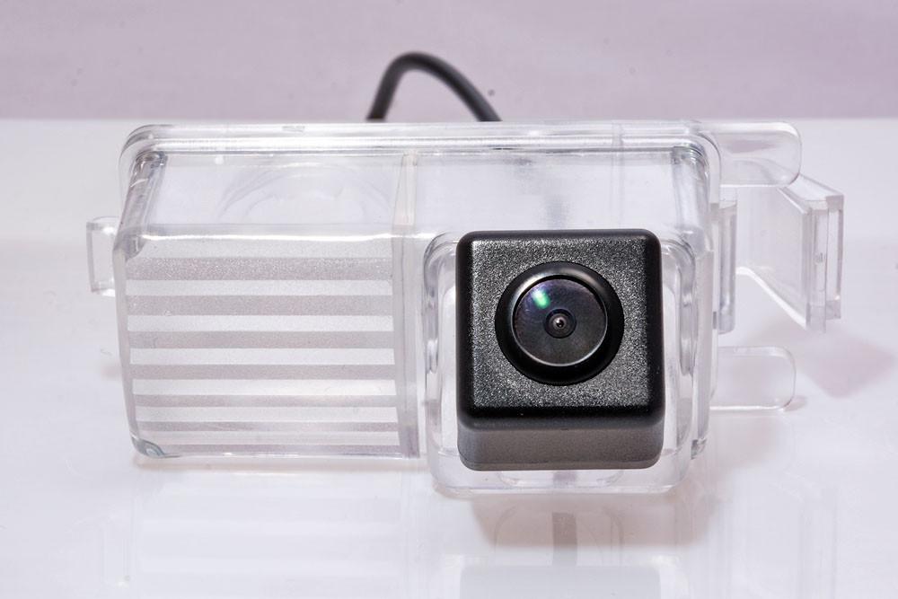 Штатная видеокамера Fighter CS-HCCD+FM-26 (Nissan)