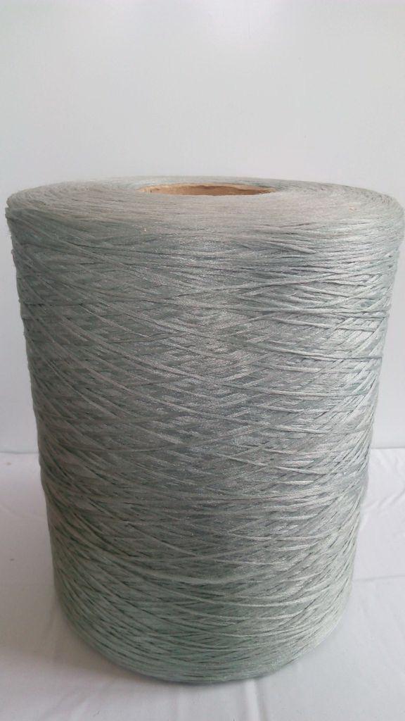 Нитки для оверлока ковролина бледно-зеленая 2