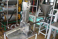 Шприц-клипсатор для фасовки сливочного масла и плавленого сыра.