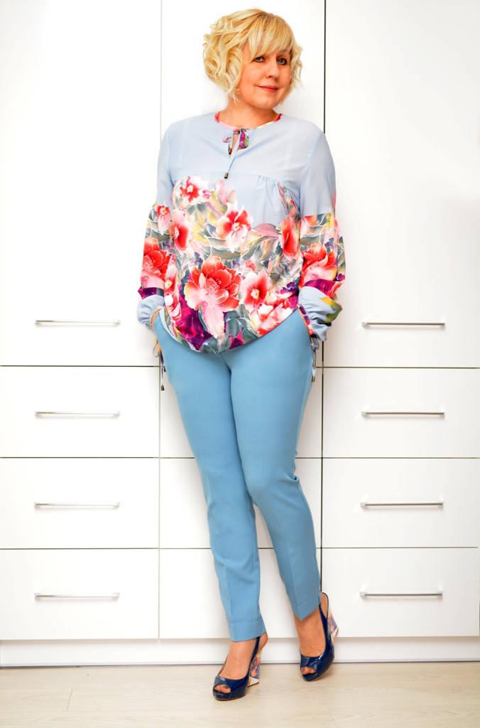 Блуза голубая в цветы- Модель 1632-2