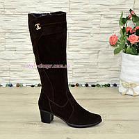 Женские зимние замшевые сапоги на невысоком каблуке, цвет коричневый, фото 1