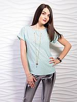 Блуза в крупный горох с цепочкой и подвеской