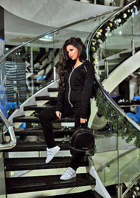 Женский спортивный костюм  2-х нитка (петля). Фурнитура: метал+ лента из камней Swarovski Цвет: чёрный.