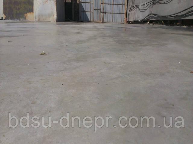 Заливка бетона, с арматурой.