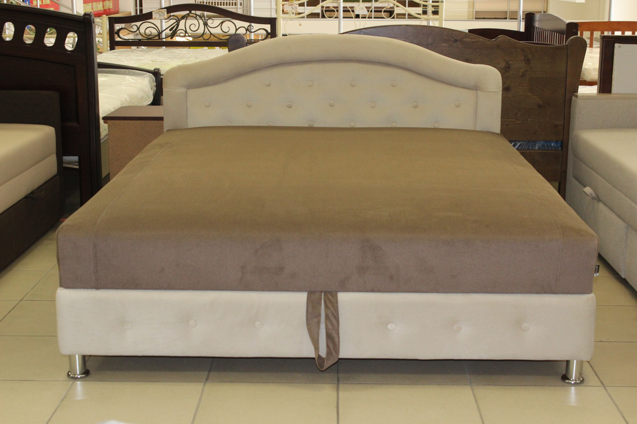 Кровать с матрасом и подъёмным механизмом