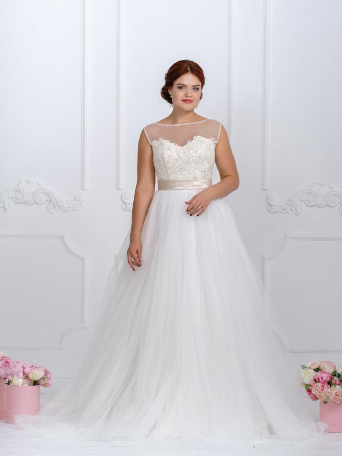 """Пышное свадебное платье со шлейфом """"Стелла"""""""