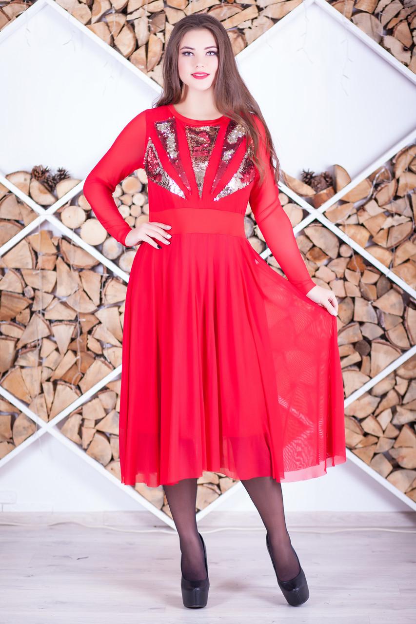 Красное нарядное платье с пайетками