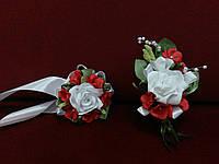 Свадебные бутоньерки (на пиджак и на руку) белые с красным