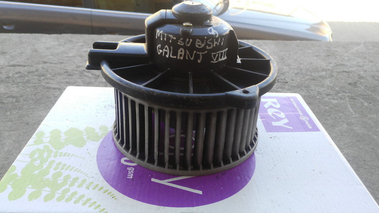 Моторчик печки для Mitsubishi Galant