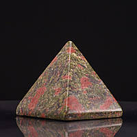 Пирамида натуральный камень Гелиотроп Яшма H-4см