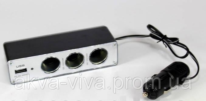 Автомобильный тройник с USB разъемом.