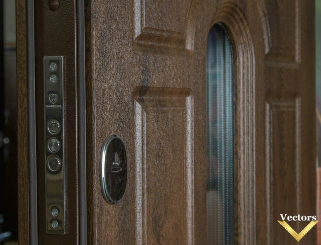 входные двери со стеклом киев