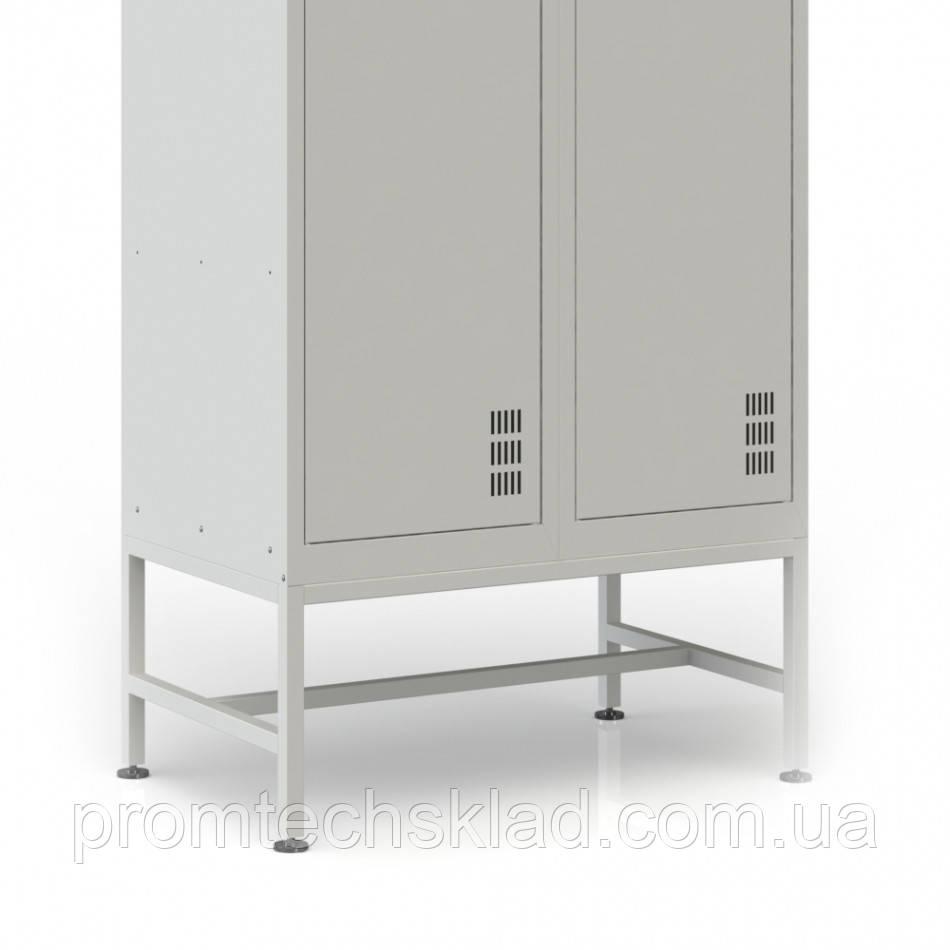 Подставка под шкаф для одежды шириной 800 мм