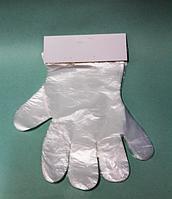 Одноразовые полиэтиленовые перчатки на планшетке упаковка 100 шт