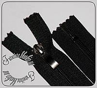 Молния неразъемная №7 обувная длина 45см черного цвета с усиленным металлическим бегунком.